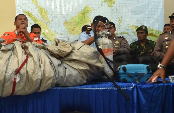 Wreckage From AirAsia Flight QZ8501 Found | HuffPost
