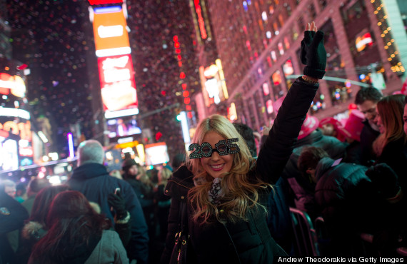 Amazing photos of new year 39 s celebrations around the world for What to do around times square