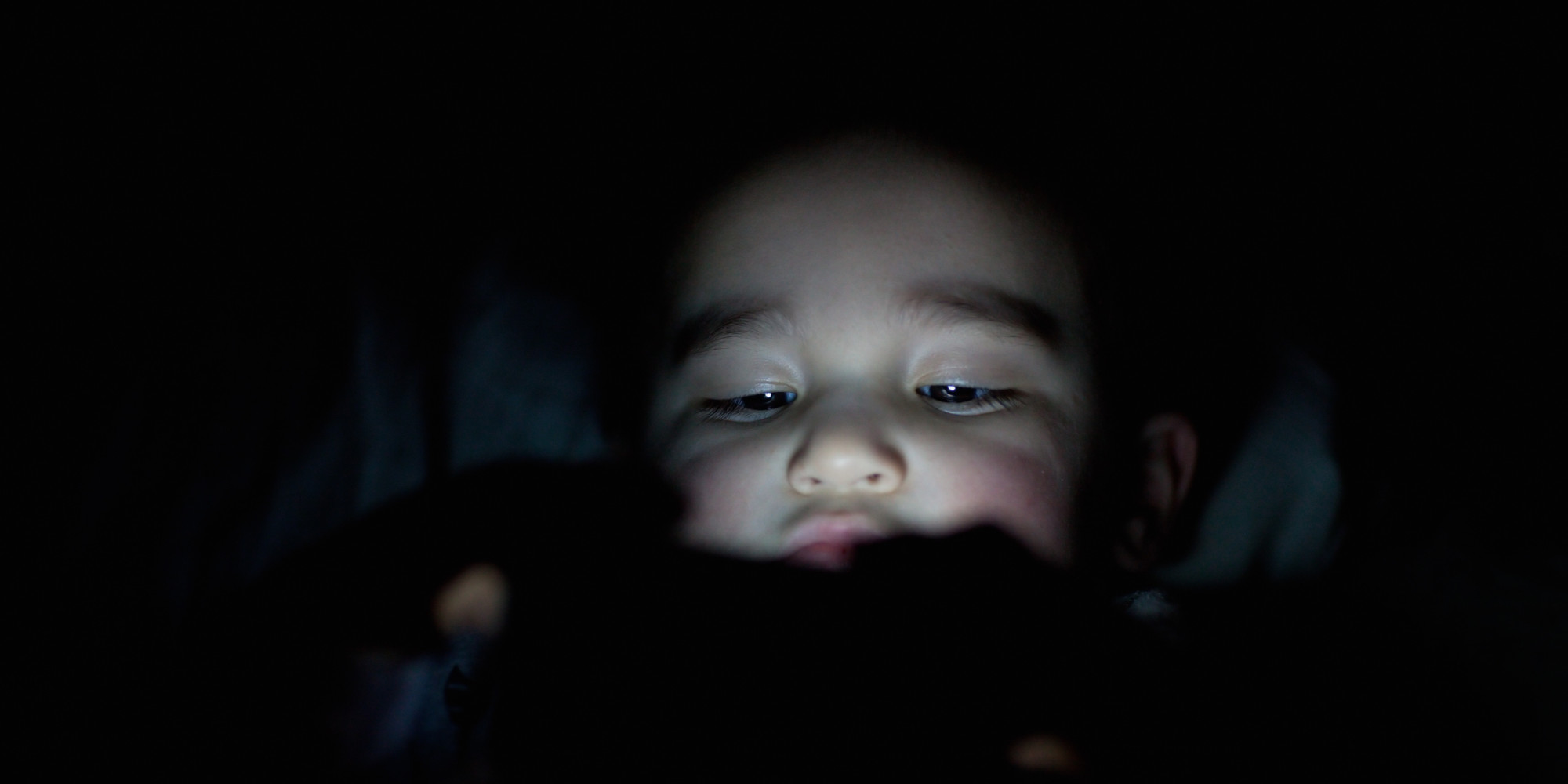 http://www.huffingtonpost.com/2015/01/06/children-electronics-sleep_n_6422162.html?utm_hp_ref=technology