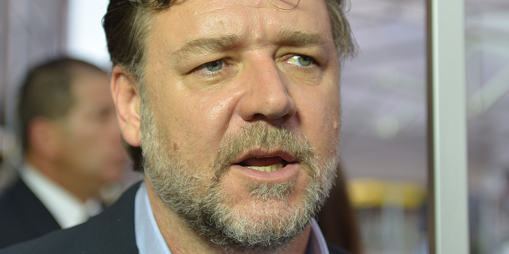 Russell Crowe choque e...