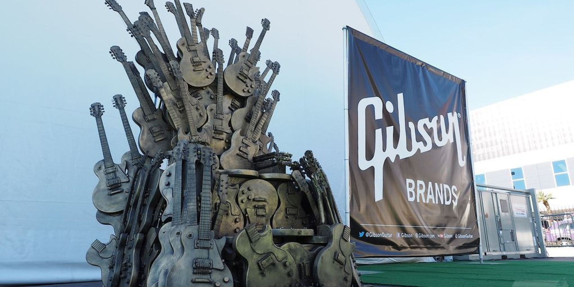 gibson made an iron throne out of guitars huffpost uk. Black Bedroom Furniture Sets. Home Design Ideas