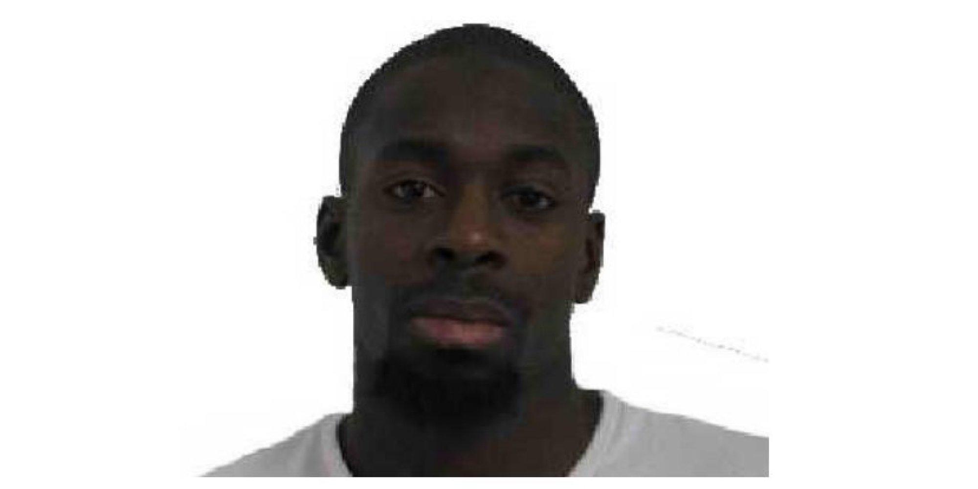 amedy coulibaly qui tait l 39 homme suspect d 39 tre le tireur de montrouge et preneur d 39 otages. Black Bedroom Furniture Sets. Home Design Ideas