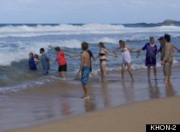 Quick-Thinking Strangers Form Human Chain, Save 3 Struggling Swimmers