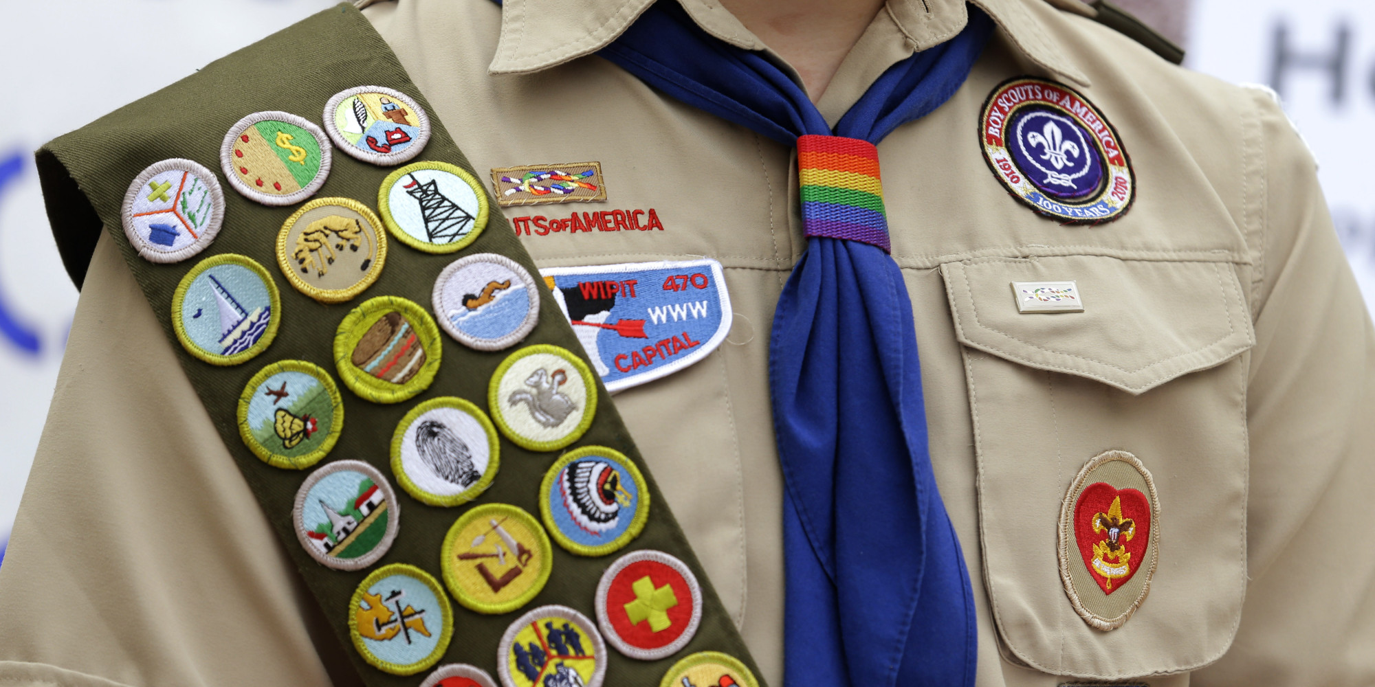 united way and the boy scouts The united way of greater cleveland today said it will withdraw funding in 2013 from the boy scouts of america, citing the scouts stance on prohibiting openly gay youth or adults in the organization.