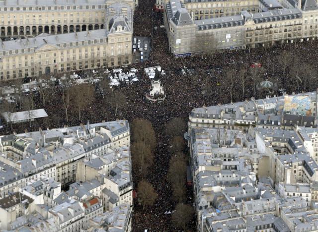 a-PARIS-MANIF-640x468.jpg