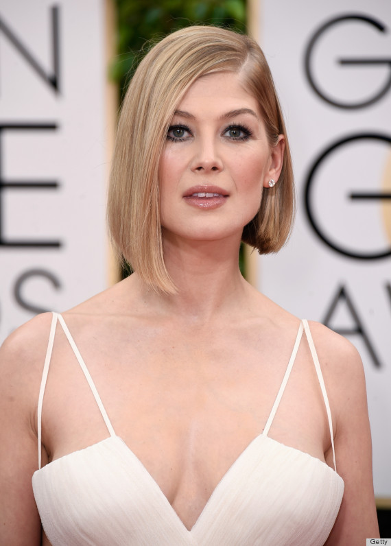 Rosamund Pike Is Wonderful In White At The Golden Globes | HuffPost