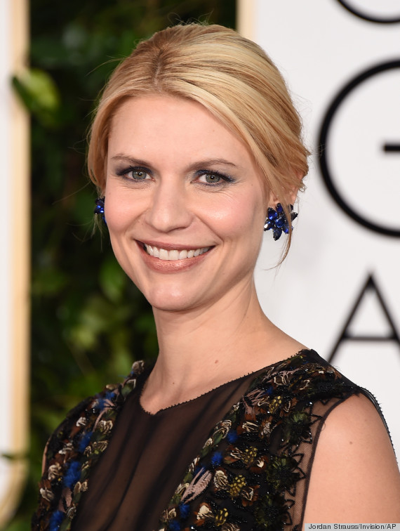 Claire Danes Wears An Interesting Valentino Dress To This Years Golden ... Claire Danes