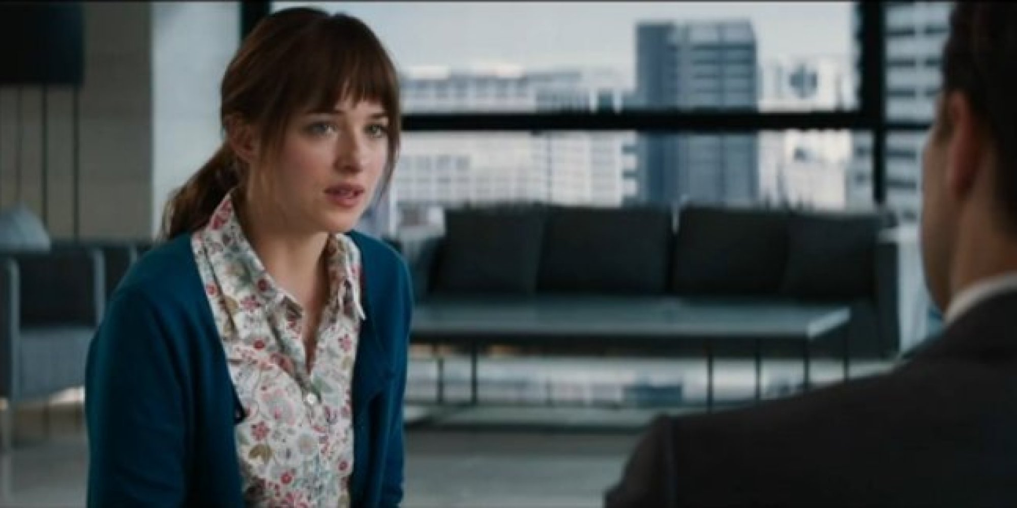 New 39 fifty shades of grey 39 trailer debuts during the for Fifty shades od gray