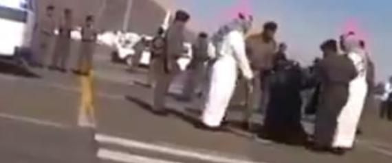 arabie saoudite arrestation de l 39 agent de s curit qui a film la d capitation d 39 une femme. Black Bedroom Furniture Sets. Home Design Ideas