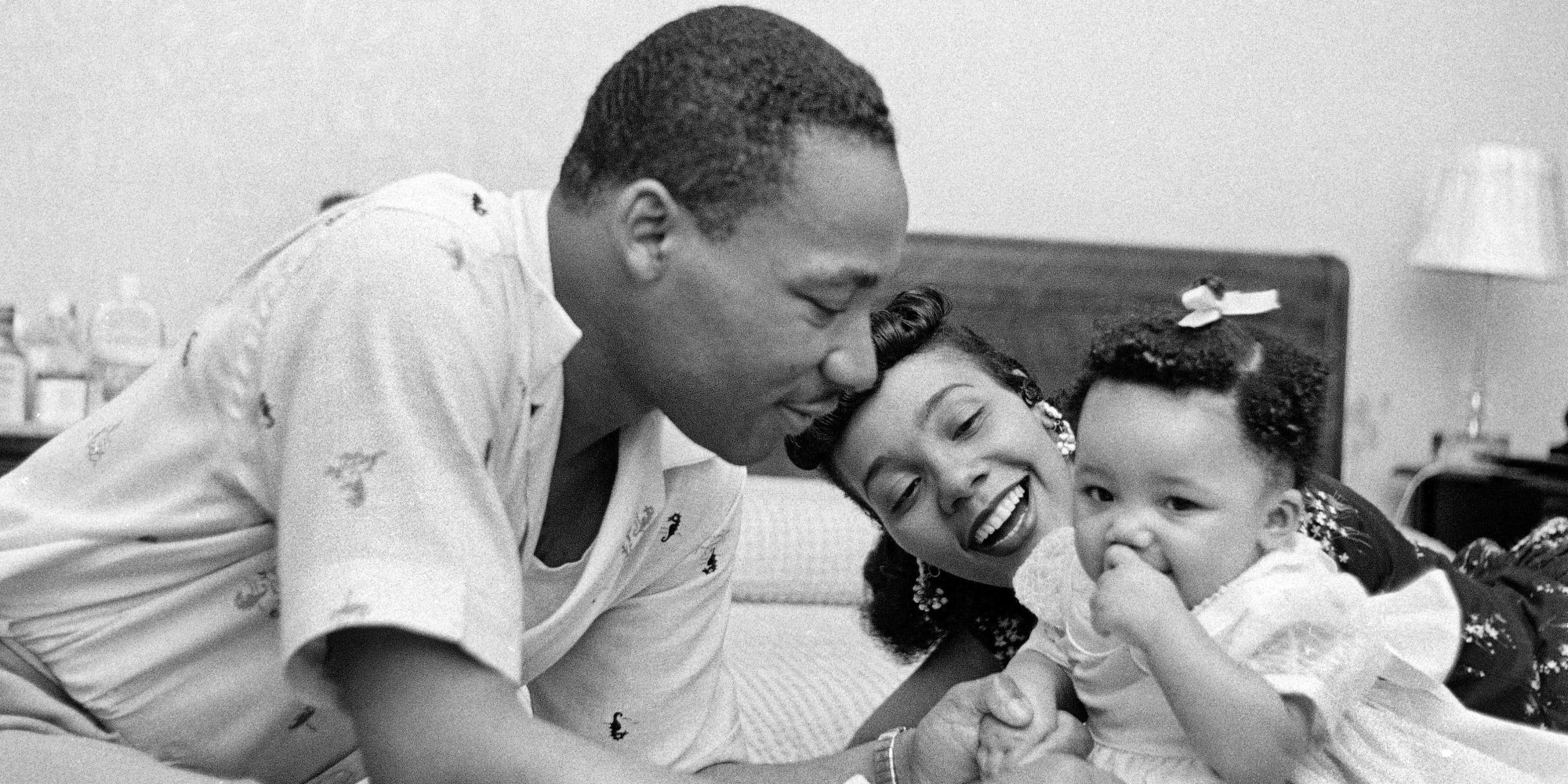 These Incredible Family Photos of MLK Show A Side Of Him ...