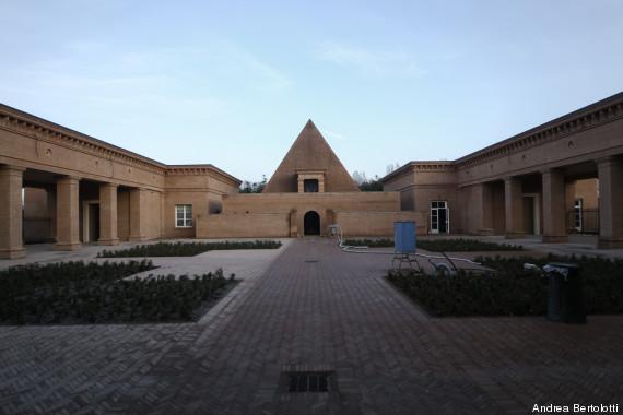 piramide esterno