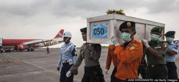 Divers Recover 6 More Bodies From AirAsia Crash