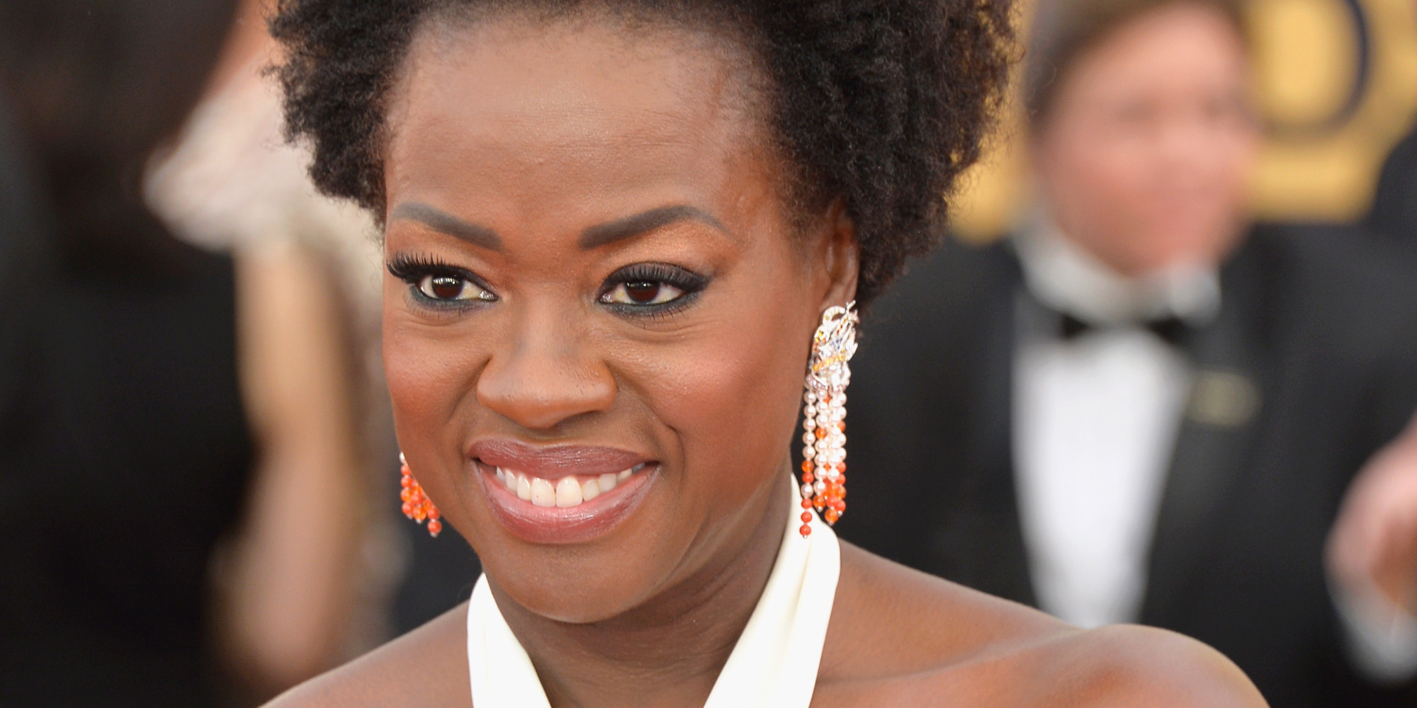 The 2015 SAG Awards red carpet was filled with stunning looks, but Viola Davis is a contender for best beauty of the night. Dressed in a cus...