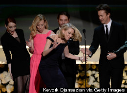 Whoops! Naomi Narrowly Avoids Face-Planting At The SAG Awards