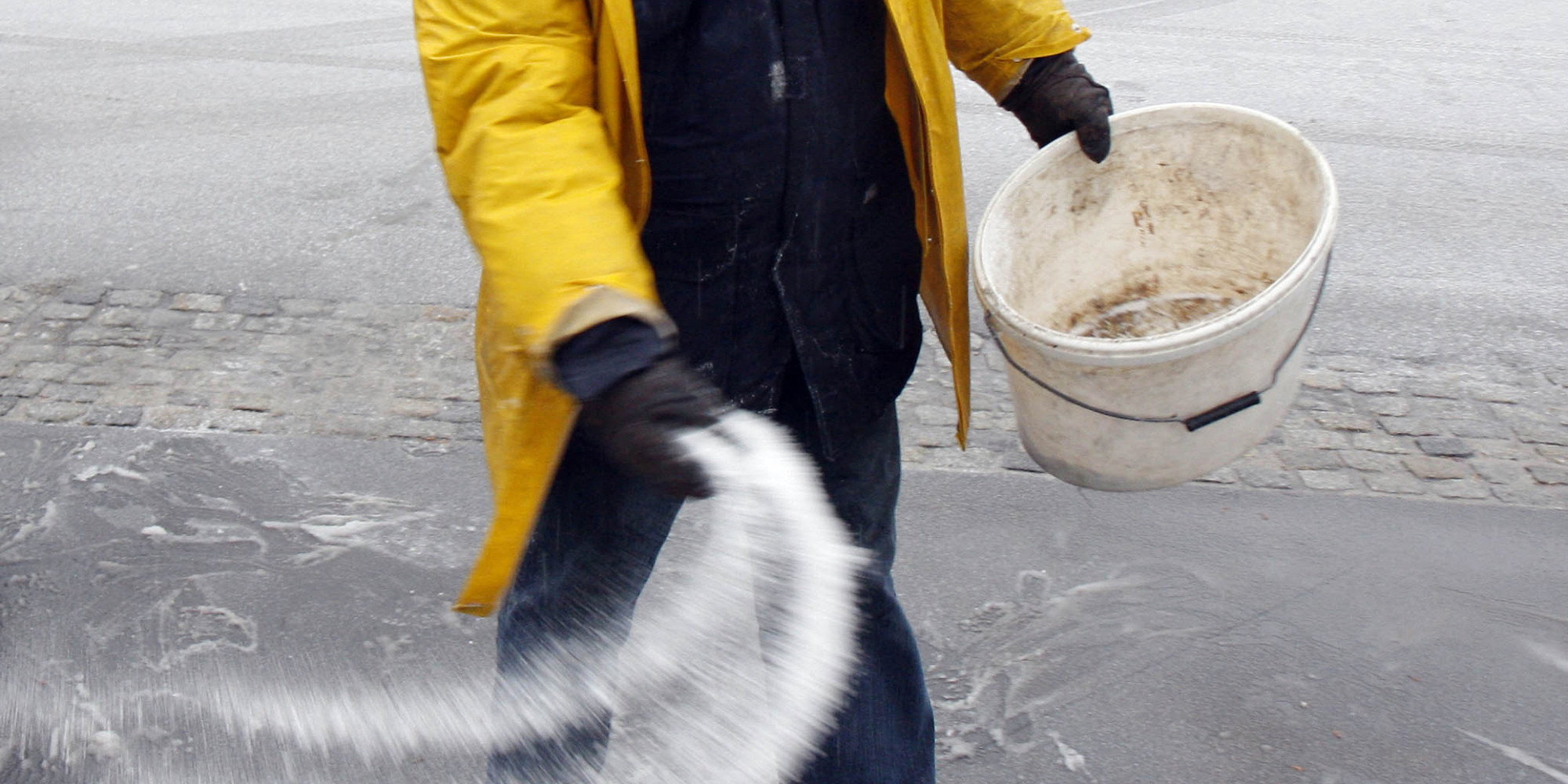 Here S A Science Backed Guide To De Icing Your Driveway