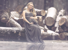 For This Pregnancy Photographer, Nature Is 'Where The Magic Happens'