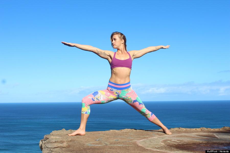 photos 11 postures de yoga pour d butant que tous croient conna tre mais ex cutent peut tre mal. Black Bedroom Furniture Sets. Home Design Ideas