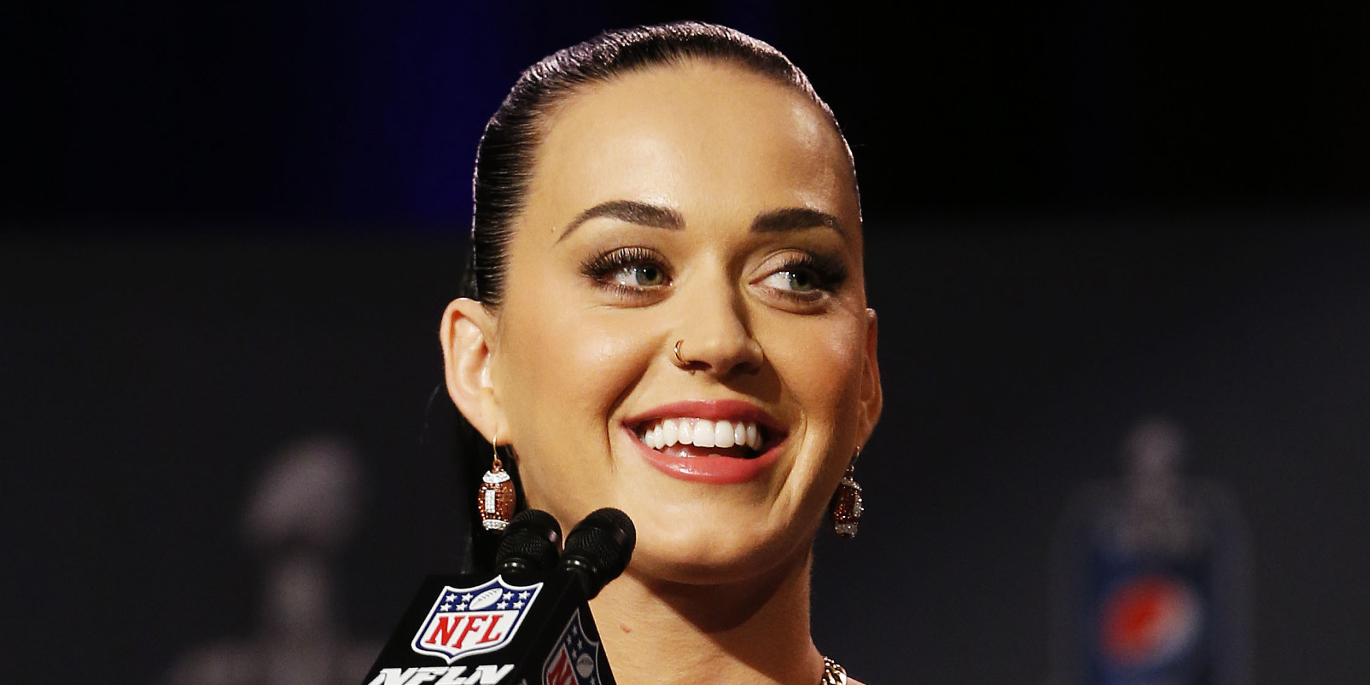 Katy Perry Takes Her Super Bowl Performance Duties Quite Literally ...