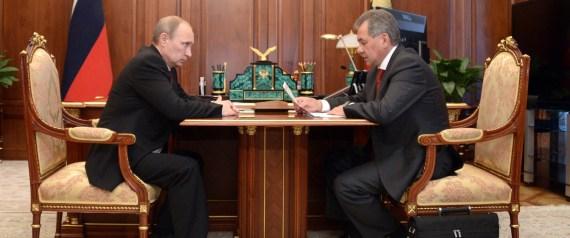russland verteidigungsminister k ndigt aufr stung trotz wirtschaftskrise an. Black Bedroom Furniture Sets. Home Design Ideas