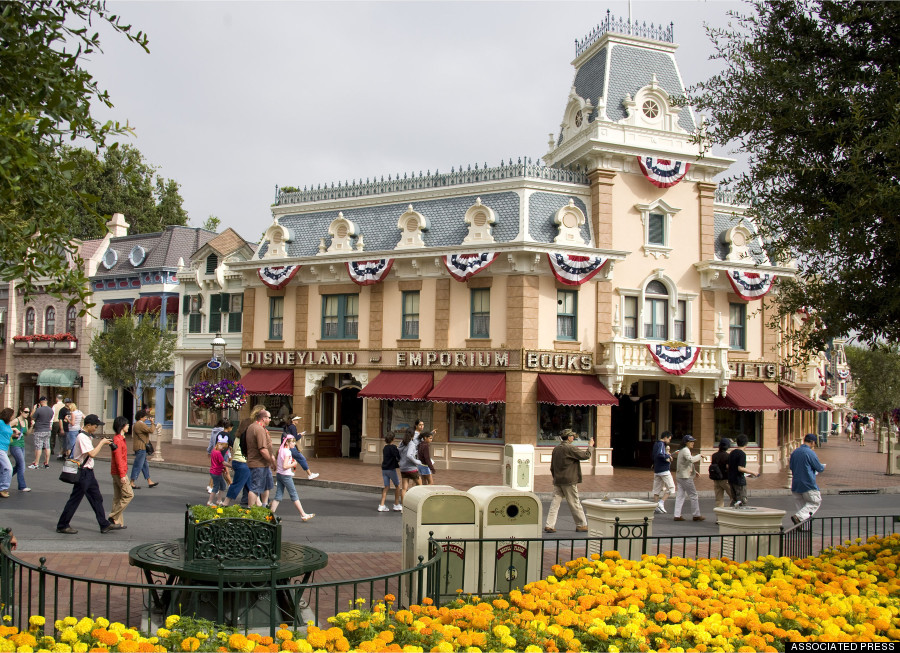 11 Things You Never Knew About Disneyland S Main Street U
