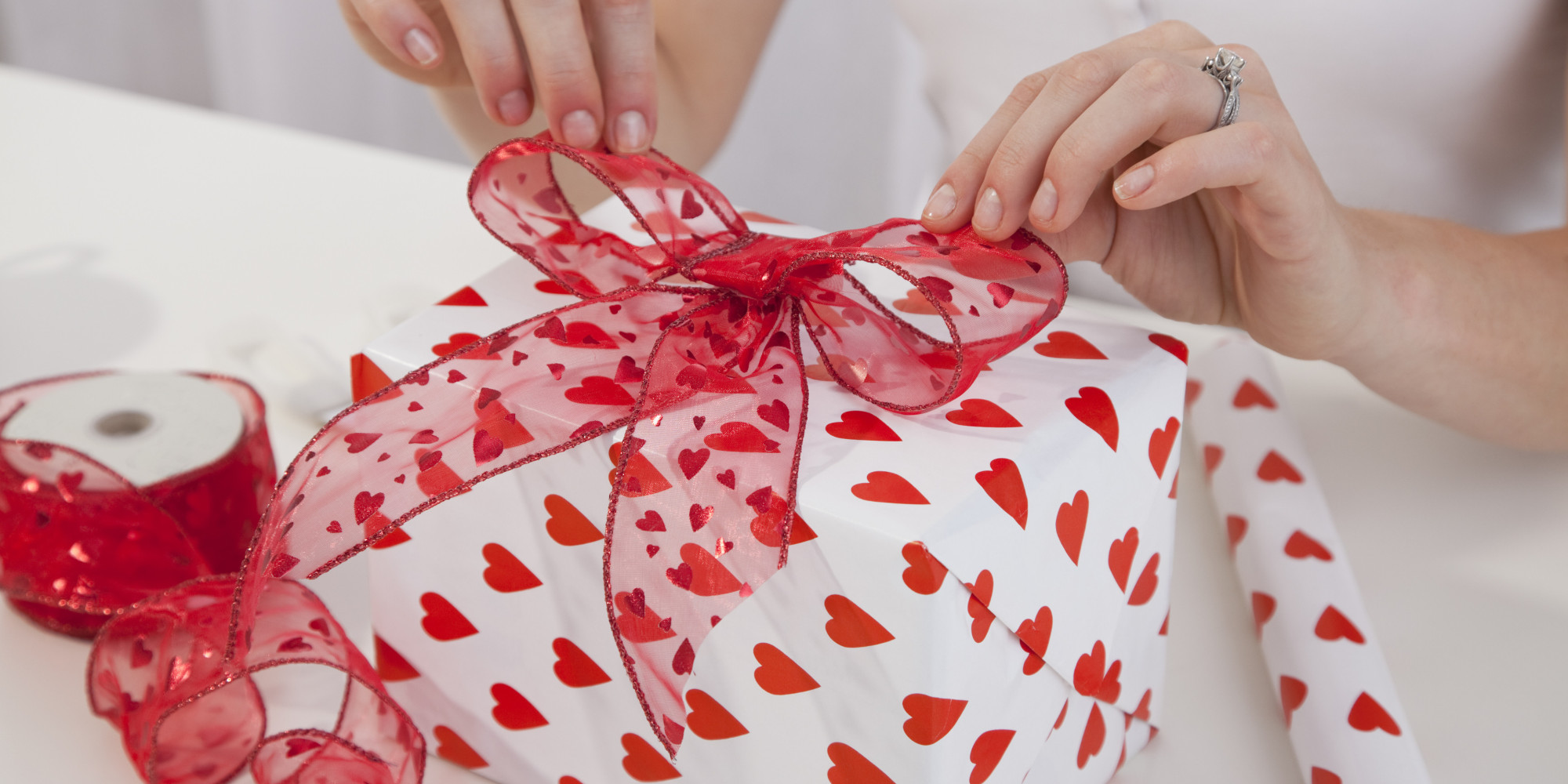 How to Handle Valentine s Day in a New Relationship 15 Steps