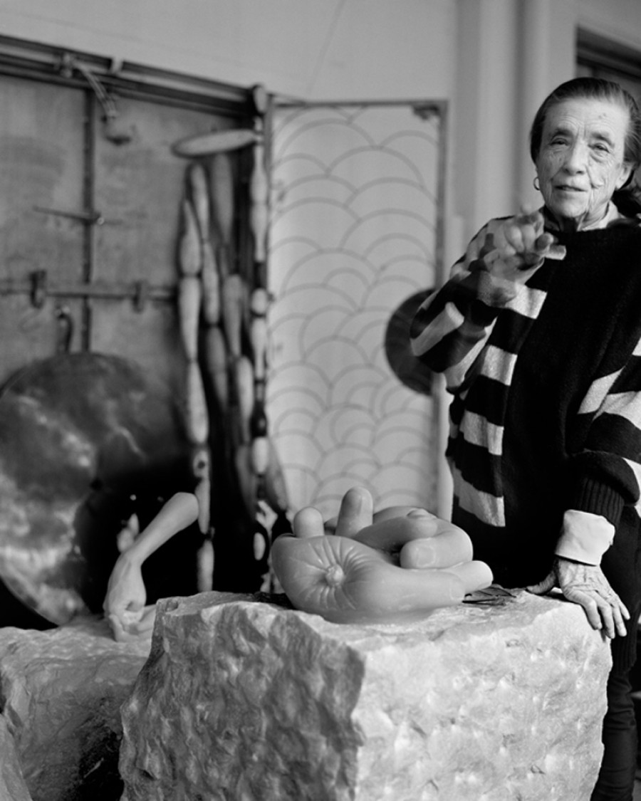 An introduction to the life of louise bourgeois and sculpture