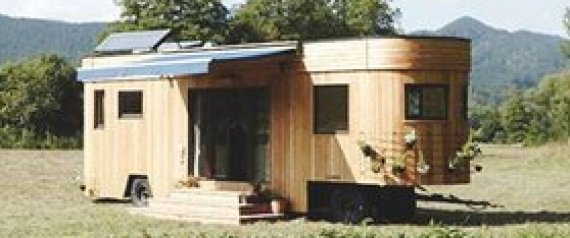 wohnen ohne betriebskosten dieses minihaus auf r dern macht 39 s m glich. Black Bedroom Furniture Sets. Home Design Ideas
