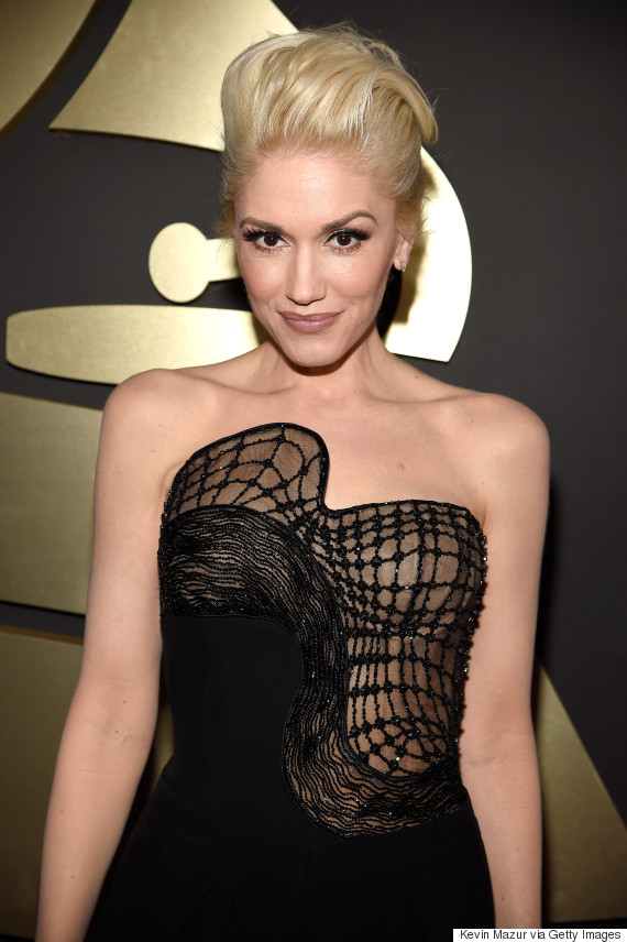 Gwen Stefani Goes Without Her Red Lip, Proves She Doesn't Age At The ... Gwen Stefani