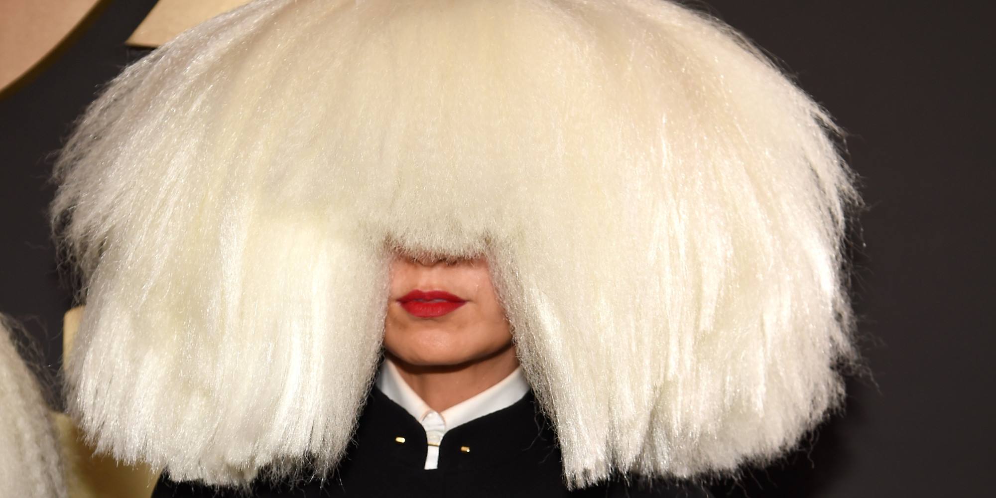 Sia Cant See The Haters In Her Huge Grammys Wig