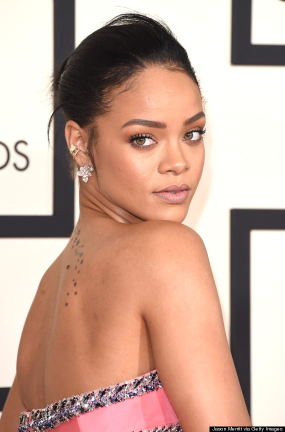 Rihanna's Grammy Dress 2015 Is A Ginormous Pink Pouf By ... Rihanna