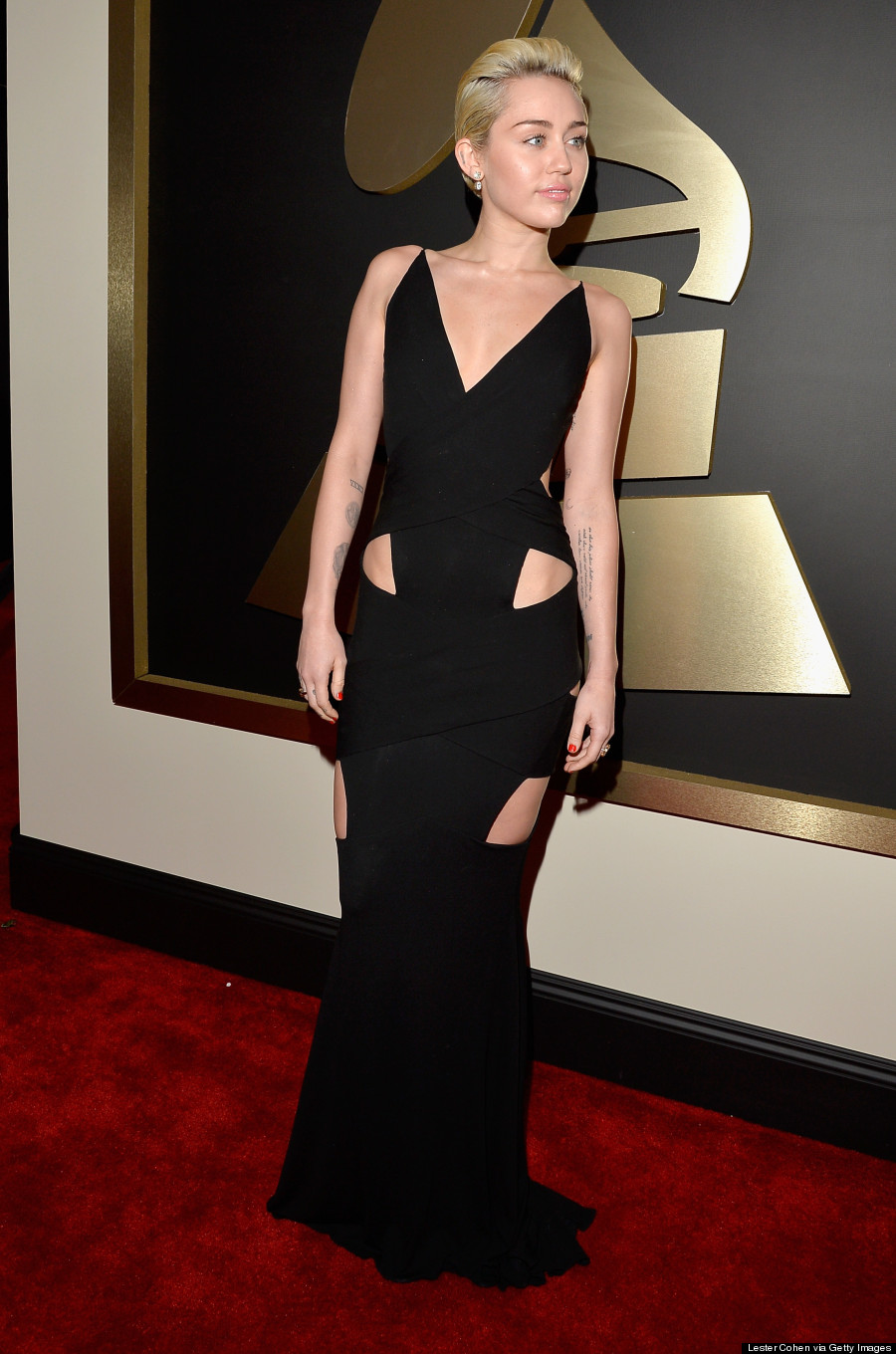 miley cyrus grammys 2015 dress is ridiculously sexy