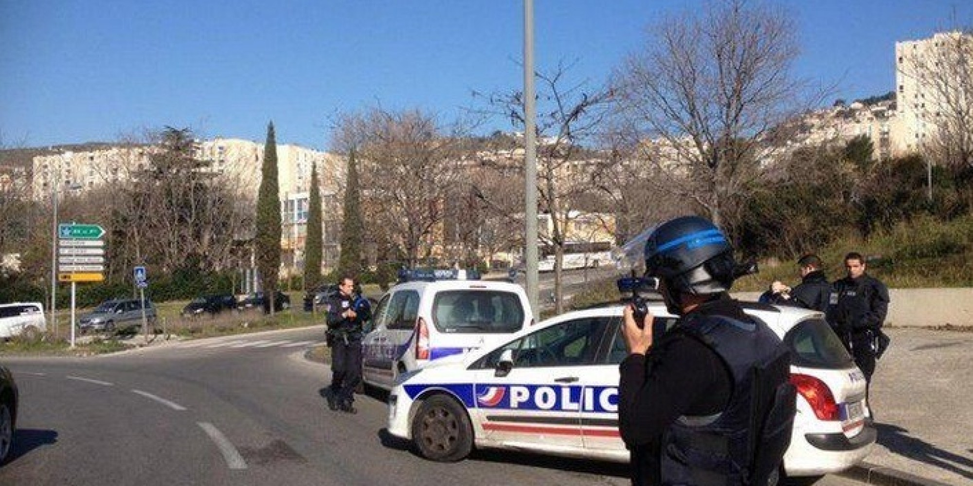 hooded gunmen fire at police in marseille ahead of french pm visit. Black Bedroom Furniture Sets. Home Design Ideas