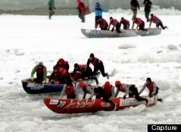Course de canot sur glace : une cinquantaine d'équipes bravent le froid