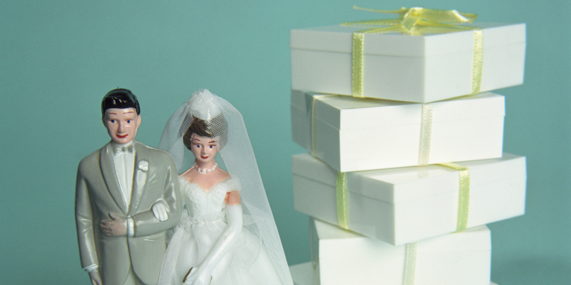Wedding Gift Etiquette Amount 2015 : ... Consider When Deciding How Much To Spend On A Wedding Gift HuffPost