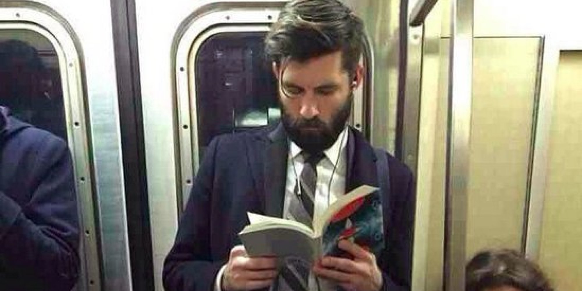 Hot Dudes Reading' Is Proof There's Nothing Sexier Than Books ...