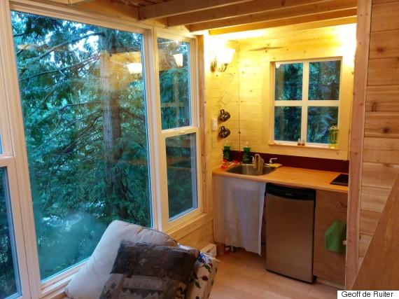 pender island treehouse