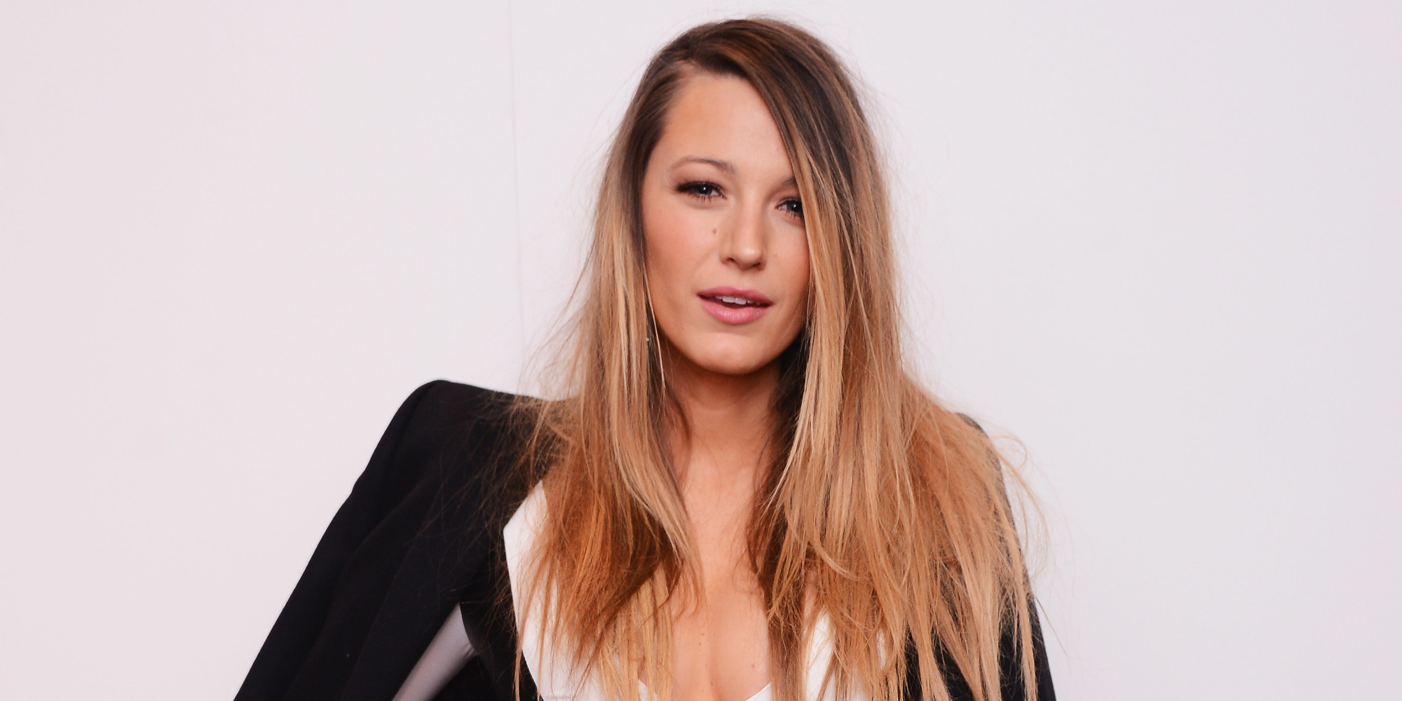 Blake Lively Looks Absolutely Gorgeous At New York Fashion ... Blake Lively Facebook