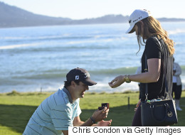 Pro Golfer Proposes On 18th Hole, Wins His Girlfriend's Heart