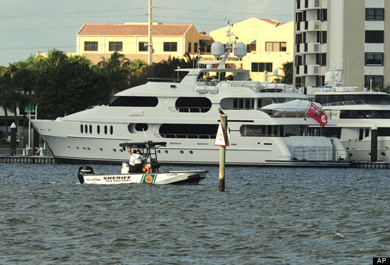 tiger woods selling  u0026 39 privacy u0026 39  yacht  report  photos