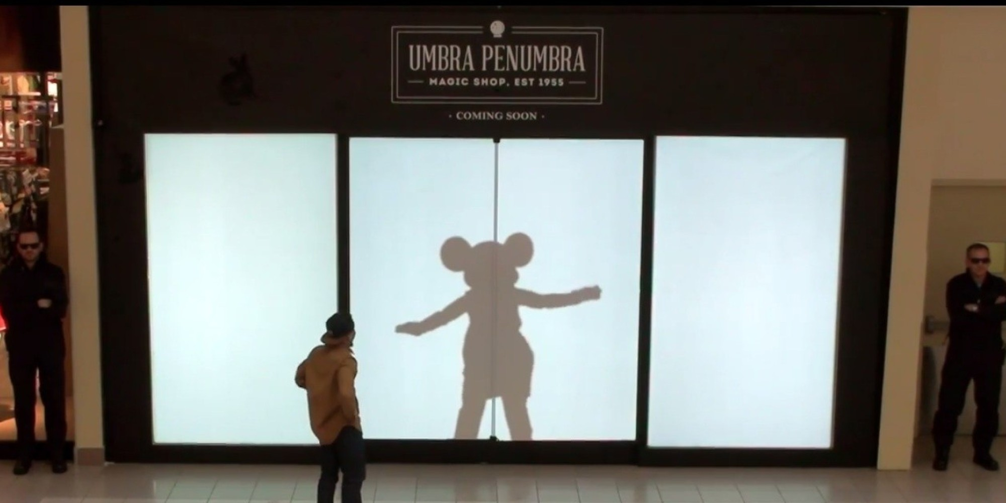 Disney Characters Shadow Unsuspecting Mall Shoppers | HuffPost