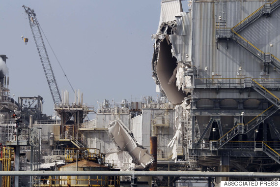 Blast At Exxon Refinery In Torrance California Injures 3