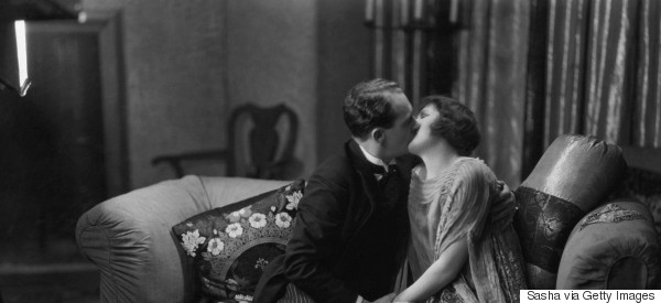 1920s kiss