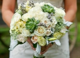 30 Wedding Bouquets With Eye-Popping Texture