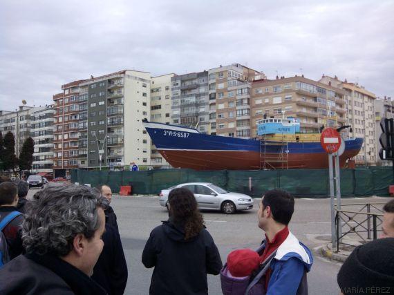 Trifulca vecinal en vigo por la colocaci n de un barco - Merkamueble en vigo ...