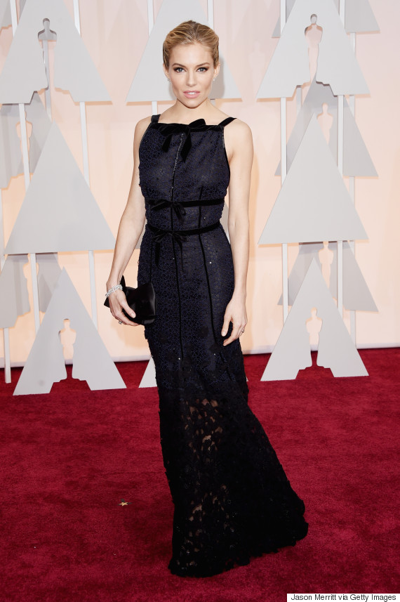 Sienna miller s 2015 oscar dress is black and navy and perfect all