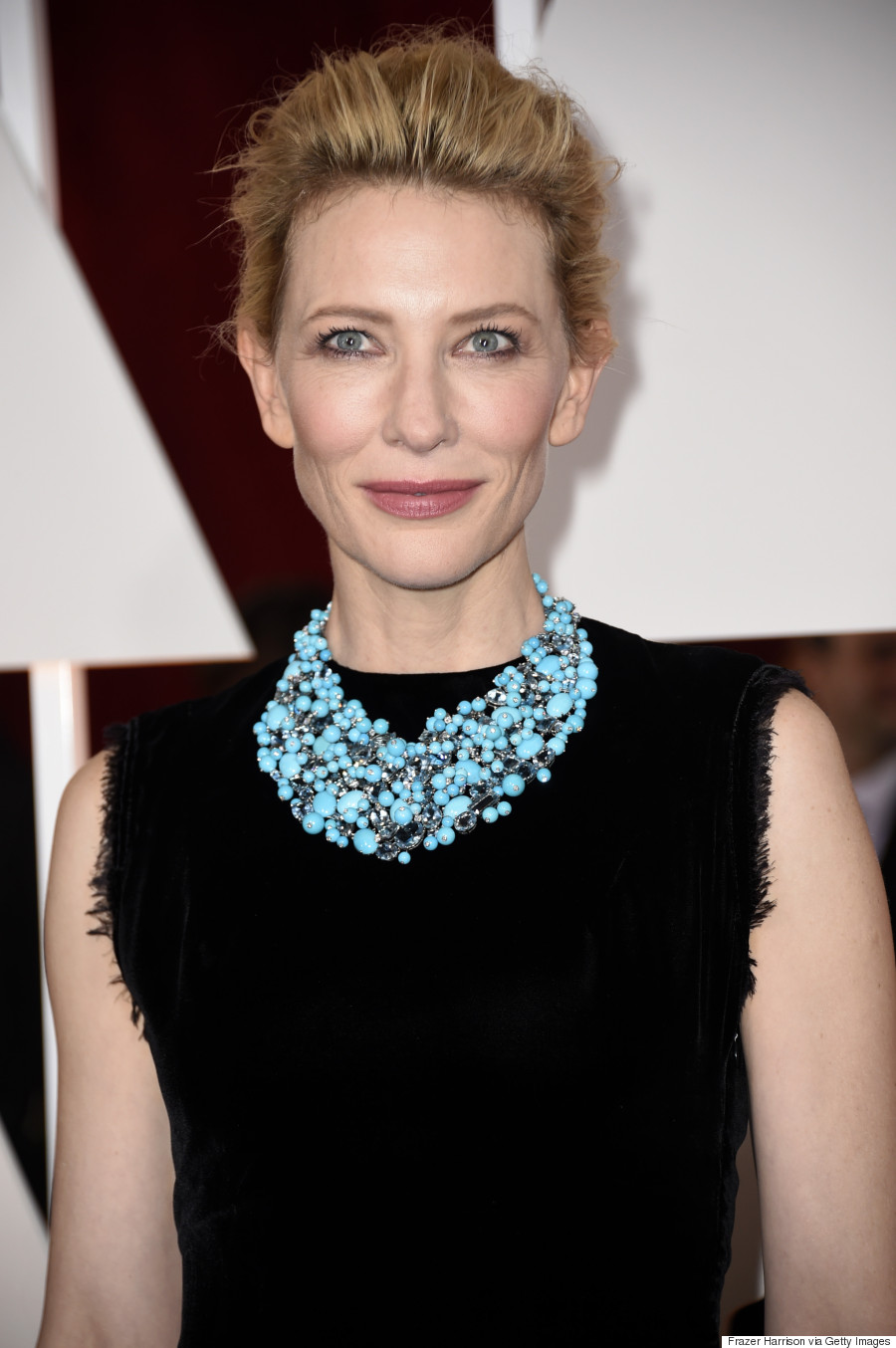 Cate Blanchett's Oscars 2015 Dress Gets Overshadowed By A ... Cate Blanchett