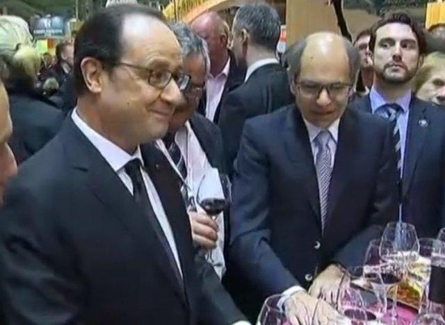 Vid o fran ois hollande donne au salon de l 39 agriculture for Hollande salon agriculture