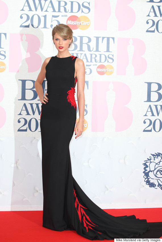 Taylor Swift S Brit Awards Dragon Dress Is A Fierce New