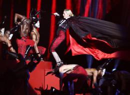 Madonna Took A Hard Fall At The Brit Awards