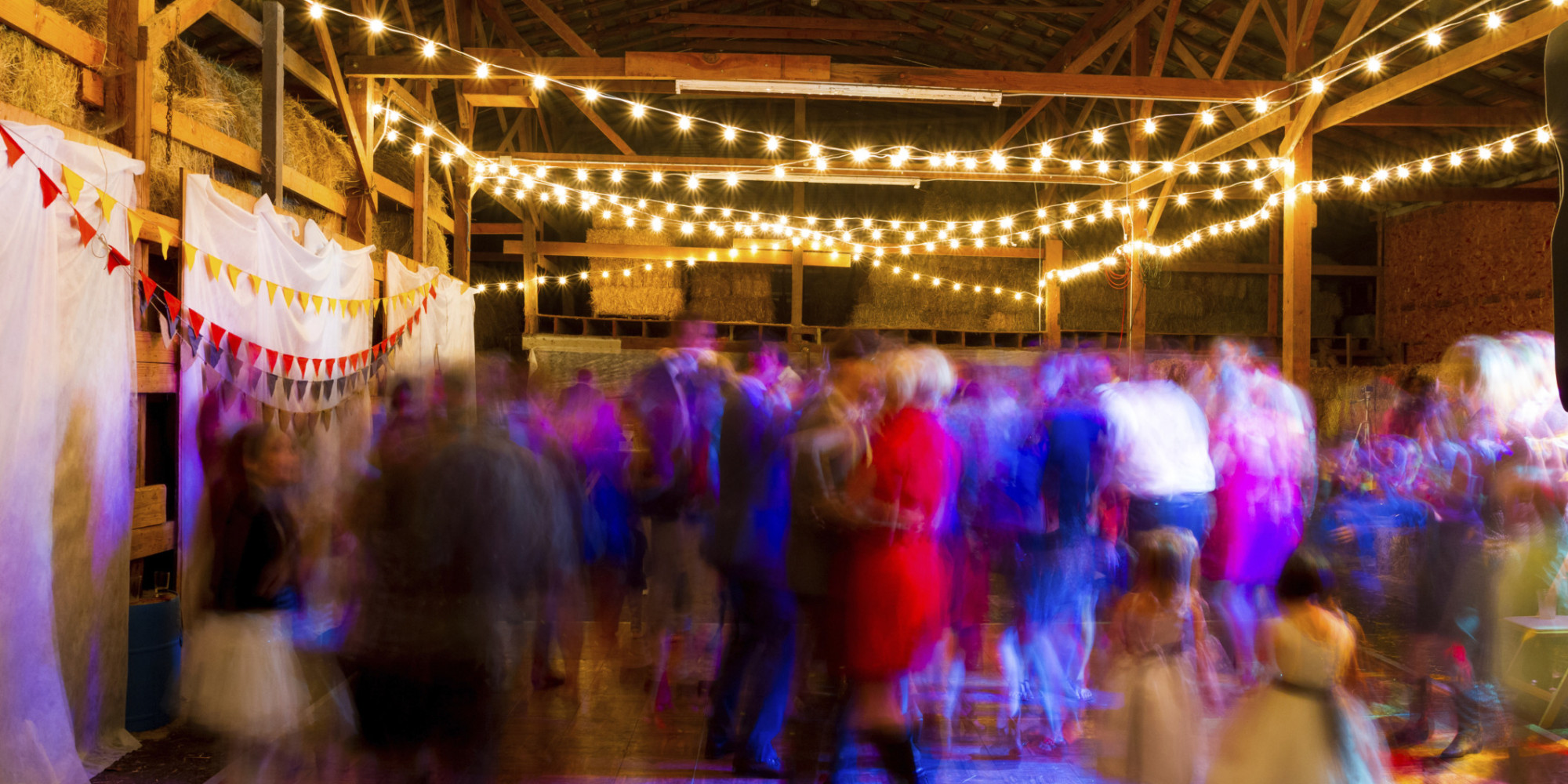 10 Things To Know About The Farm Barn Wedding You Want